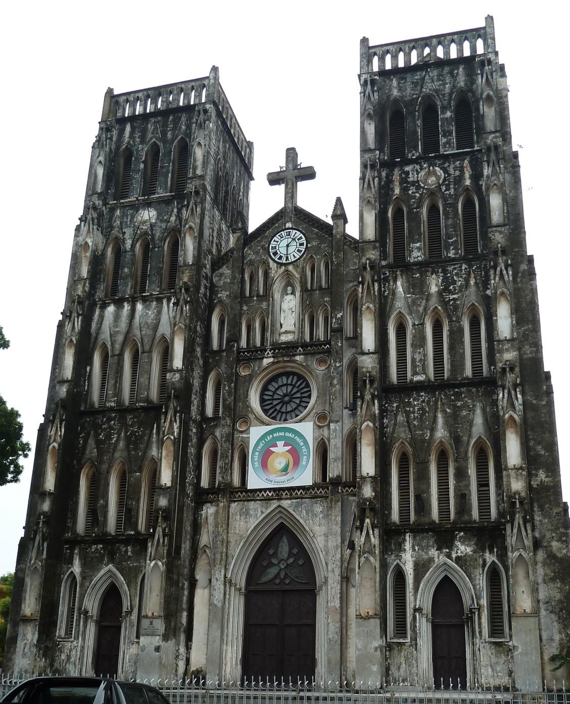 Name:St. Joseph Cathedral Original source: https://en.wikipedia.org/wiki/St._Joseph%27s_Cathedral,_Hanoi